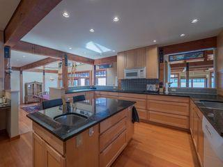 "Photo 7: 8423 8425 REDROOFFS Road in Halfmoon Bay: Halfmn Bay Secret Cv Redroofs House for sale in ""HALFMOON BAY WATERFRONT"" (Sunshine Coast)  : MLS®# R2363344"