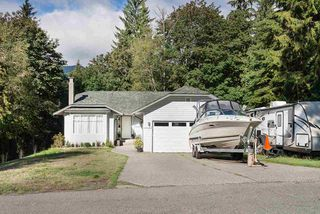 """Photo 19: 1645 YMCA Road in Gibsons: Gibsons & Area House for sale in """"Langdale"""" (Sunshine Coast)  : MLS®# R2367138"""