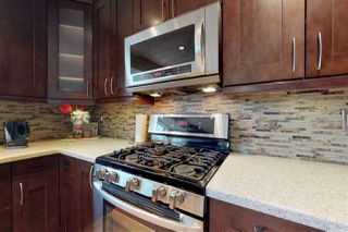 Photo 10: 10412 10 Avenue in Edmonton: Zone 16 House for sale : MLS®# E4155970