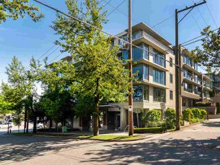 "Photo 1: 210 2520 MANITOBA Street in Vancouver: Mount Pleasant VW Condo for sale in ""The Vue"" (Vancouver West)  : MLS®# R2373365"
