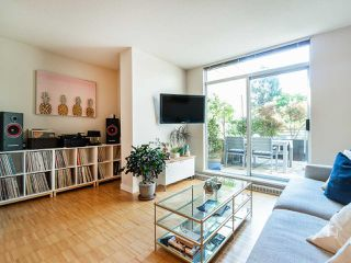 "Photo 4: 210 2520 MANITOBA Street in Vancouver: Mount Pleasant VW Condo for sale in ""The Vue"" (Vancouver West)  : MLS®# R2373365"