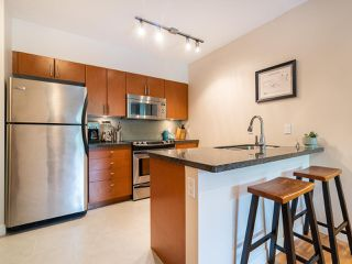 "Photo 9: 210 2520 MANITOBA Street in Vancouver: Mount Pleasant VW Condo for sale in ""The Vue"" (Vancouver West)  : MLS®# R2373365"