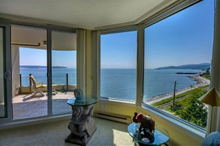 "Photo 6: 403 2280 BELLEVUE Avenue in West Vancouver: Dundarave Condo for sale in ""REGATTA POINTE"" : MLS®# R2375758"