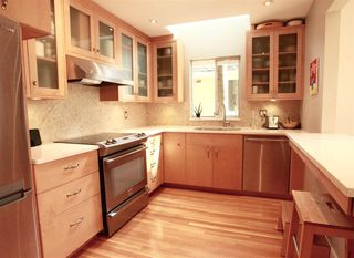 Photo 8: 2889 W 17TH Avenue in Vancouver: Arbutus 1/2 Duplex for sale (Vancouver West)  : MLS®# R2379372