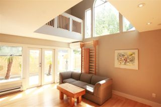 Photo 5: 2889 W 17TH Avenue in Vancouver: Arbutus House 1/2 Duplex for sale (Vancouver West)  : MLS®# R2379372