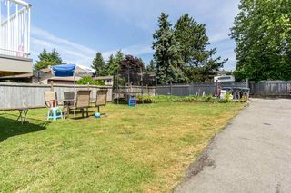 Photo 18: 14771 88 Avenue in Surrey: Bear Creek Green Timbers House for sale : MLS®# R2379953
