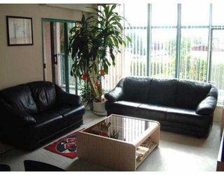 """Photo 3: 211 2533 PENTICTON ST in Vancouver: Renfrew VE Condo for sale in """"GARDENIA VILLA"""" (Vancouver East)  : MLS®# V561263"""