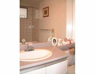 """Photo 7: 211 2533 PENTICTON ST in Vancouver: Renfrew VE Condo for sale in """"GARDENIA VILLA"""" (Vancouver East)  : MLS®# V561263"""