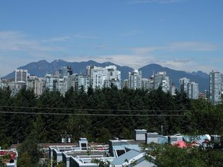 "Photo 2: 17 870 W 7TH Avenue in Vancouver: Fairview VW Townhouse for sale in ""LAUREL COURT"" (Vancouver West)  : MLS®# V907769"