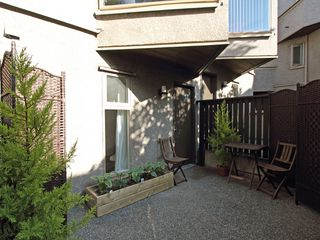"Photo 6: 17 870 W 7TH Avenue in Vancouver: Fairview VW Townhouse for sale in ""LAUREL COURT"" (Vancouver West)  : MLS®# V907769"