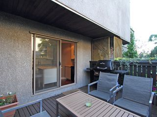 "Photo 24: 17 870 W 7TH Avenue in Vancouver: Fairview VW Townhouse for sale in ""LAUREL COURT"" (Vancouver West)  : MLS®# V907769"