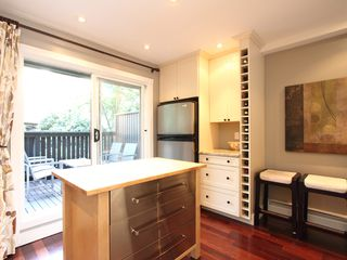 "Photo 10: 17 870 W 7TH Avenue in Vancouver: Fairview VW Townhouse for sale in ""LAUREL COURT"" (Vancouver West)  : MLS®# V907769"