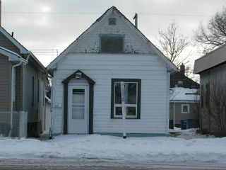 Photo 1: 1018 Burrows Avenue in WINNIPEG: North End Residential for sale (North West Winnipeg)  : MLS®# 1206815