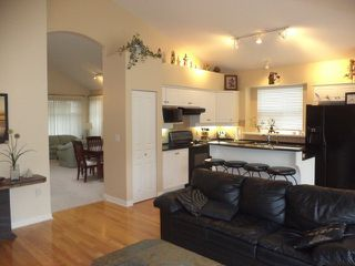 Photo 7: # 70 3500 144TH ST in Surrey: Elgin Chantrell Condo for sale (South Surrey White Rock)  : MLS®# F1316837