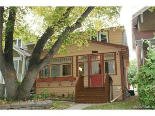 Photo 2: 2218 QUEBEC STREET in Regina: General Hospital Single Family Dwelling for sale (Regina Area 03)  : MLS®# 477505