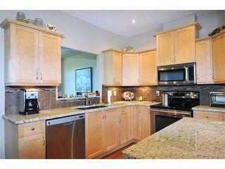 "Photo 3: 2 23281 KANAKA Way in Maple Ridge: Cottonwood MR Townhouse for sale in ""WOODRIDGE"" : MLS®# V1032160"