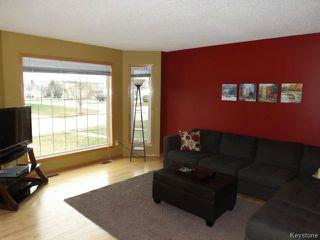 Photo 3: 7 Draho Crescent in WINNIPEG: St Vital Residential for sale (South East Winnipeg)  : MLS®# 1324343