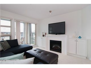 Photo 4: 211 738 E 29TH Avenue in Vancouver: Fraser VE Condo for sale (Vancouver East)  : MLS®# V1043108