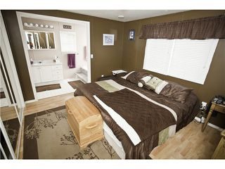 "Photo 3: 33 997 20 Highway in Williams Lake: Williams Lake - Rural West Manufactured Home for sale in ""CHILTCOTIN ESTATES"" (Williams Lake (Zone 27))  : MLS®# N234387"