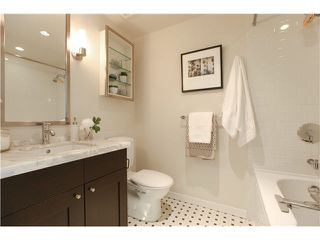 """Photo 14: 1802 821 CAMBIE Street in Vancouver: Downtown VW Condo for sale in """"RAFFLES ON ROBSON"""" (Vancouver West)  : MLS®# V1124858"""