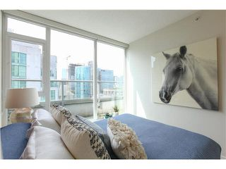 """Photo 11: 1802 821 CAMBIE Street in Vancouver: Downtown VW Condo for sale in """"RAFFLES ON ROBSON"""" (Vancouver West)  : MLS®# V1124858"""
