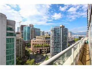 """Photo 13: 1802 821 CAMBIE Street in Vancouver: Downtown VW Condo for sale in """"RAFFLES ON ROBSON"""" (Vancouver West)  : MLS®# V1124858"""