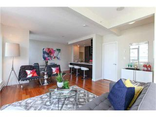 """Photo 5: 1802 821 CAMBIE Street in Vancouver: Downtown VW Condo for sale in """"RAFFLES ON ROBSON"""" (Vancouver West)  : MLS®# V1124858"""