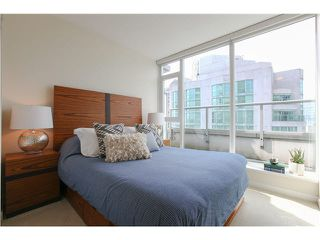 """Photo 10: 1802 821 CAMBIE Street in Vancouver: Downtown VW Condo for sale in """"RAFFLES ON ROBSON"""" (Vancouver West)  : MLS®# V1124858"""