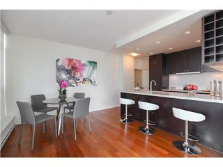 """Photo 6: 1802 821 CAMBIE Street in Vancouver: Downtown VW Condo for sale in """"RAFFLES ON ROBSON"""" (Vancouver West)  : MLS®# V1124858"""