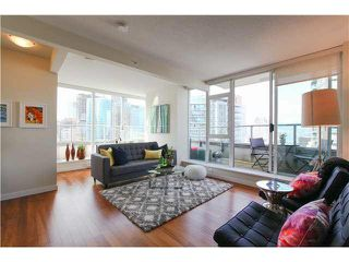 """Photo 3: 1802 821 CAMBIE Street in Vancouver: Downtown VW Condo for sale in """"RAFFLES ON ROBSON"""" (Vancouver West)  : MLS®# V1124858"""