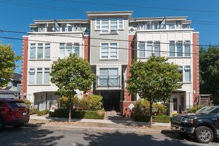 "Main Photo: 206 3637 W 17TH Avenue in Vancouver: Dunbar Condo for sale in ""Highbury House"" (Vancouver West)  : MLS®# V1140288"