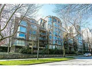 "Photo 1: 303 500 W 10TH Avenue in Vancouver: Fairview VW Condo for sale in ""Cambridge Court"" (Vancouver West)  : MLS®# R2050237"