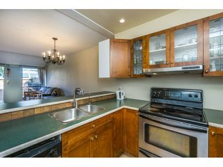 """Photo 5: 62 17710 60 Avenue in Surrey: Cloverdale BC Townhouse for sale in """"CLOVER PARK GARDENS"""" (Cloverdale)  : MLS®# R2066683"""