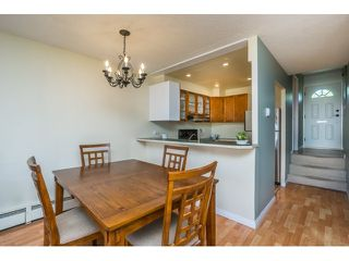 """Photo 3: 62 17710 60 Avenue in Surrey: Cloverdale BC Townhouse for sale in """"CLOVER PARK GARDENS"""" (Cloverdale)  : MLS®# R2066683"""