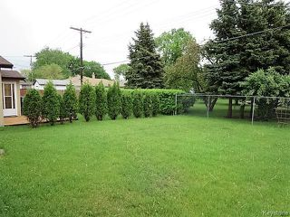 Photo 12: 947 Airlies Street in Winnipeg: West Kildonan / Garden City Residential for sale (North West Winnipeg)  : MLS®# 1613801