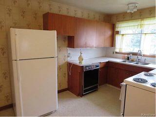 Photo 4: 947 Airlies Street in Winnipeg: West Kildonan / Garden City Residential for sale (North West Winnipeg)  : MLS®# 1613801