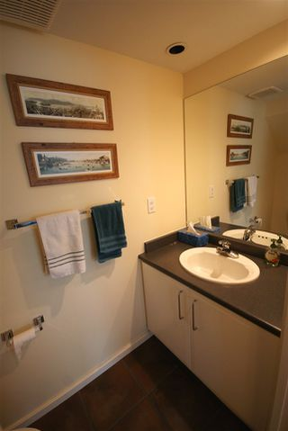 "Photo 5: 7430 MAGNOLIA Terrace in Burnaby: Highgate Townhouse for sale in ""CAMARILLO"" (Burnaby South)  : MLS®# R2080942"