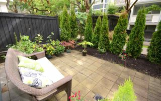 "Photo 14: 7430 MAGNOLIA Terrace in Burnaby: Highgate Townhouse for sale in ""CAMARILLO"" (Burnaby South)  : MLS®# R2080942"