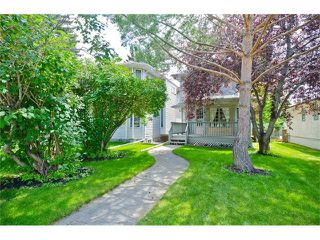 Photo 2: 223 31 Avenue NW in Calgary: Tuxedo Park House for sale : MLS®# C4072300