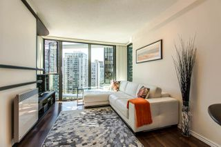 """Photo 10: 1607 1331 W GEORGIA Street in Vancouver: Coal Harbour Condo for sale in """"THE POINT"""" (Vancouver West)  : MLS®# R2099225"""