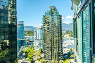 """Photo 1: 1607 1331 W GEORGIA Street in Vancouver: Coal Harbour Condo for sale in """"THE POINT"""" (Vancouver West)  : MLS®# R2099225"""