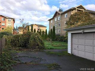 Photo 2: 826 Hockley Ave in VICTORIA: La Langford Proper Half Duplex for sale (Langford)  : MLS®# 745330