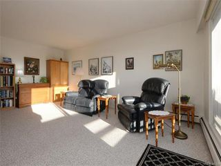 Photo 9: 403 25 Government St in VICTORIA: Vi James Bay Condo for sale (Victoria)  : MLS®# 749293