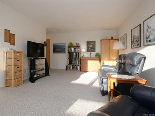 Photo 7: 403 25 Government St in VICTORIA: Vi James Bay Condo for sale (Victoria)  : MLS®# 749293