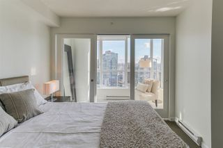 """Photo 10: 2404 833 SEYMOUR Street in Vancouver: Downtown VW Condo for sale in """"The Capitol Residences"""" (Vancouver West)  : MLS®# R2138955"""
