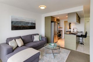 """Photo 2: 2404 833 SEYMOUR Street in Vancouver: Downtown VW Condo for sale in """"The Capitol Residences"""" (Vancouver West)  : MLS®# R2138955"""