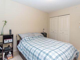 "Photo 15: 2410 3663 CROWLEY Drive in Vancouver: Collingwood VE Condo for sale in ""LATITUTDE"" (Vancouver East)  : MLS®# R2140003"
