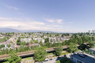 "Photo 16: 2410 3663 CROWLEY Drive in Vancouver: Collingwood VE Condo for sale in ""LATITUTDE"" (Vancouver East)  : MLS®# R2140003"