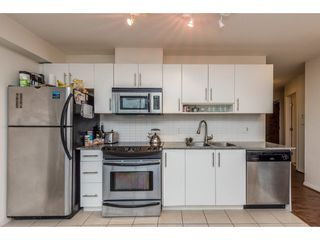 """Photo 9: 2402 550 TAYLOR Street in Vancouver: Downtown VW Condo for sale in """"THE TAYLOR"""" (Vancouver West)  : MLS®# R2142981"""