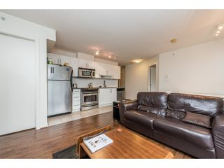 """Photo 7: 2402 550 TAYLOR Street in Vancouver: Downtown VW Condo for sale in """"THE TAYLOR"""" (Vancouver West)  : MLS®# R2142981"""